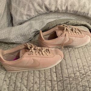 NIKE Cortez blush pink velvet 8.5